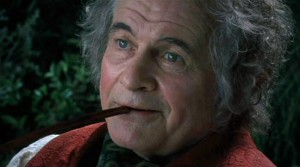 Sir Ian Holm در نقش بیلبو بگینز در سهگانه ارباب حلقه ها