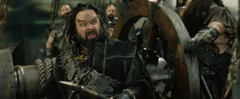 پیتر جکسون در نقش دزد دریایی