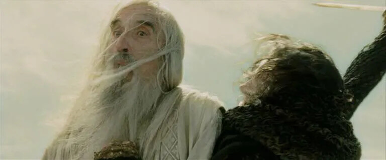 صحنه مرگ سارومان به دست گریما در فیلم ارباب حلقهها